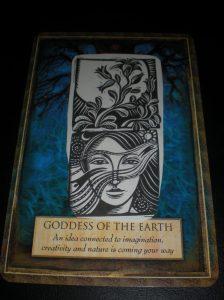 goddess of earth, urtha, oracle cards